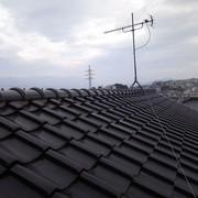 梅雨空の屋根の画像